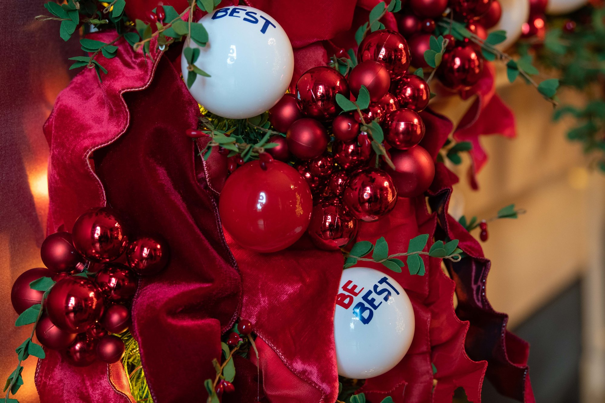 Christmas decorations are seen at the White House during a preview of the 2018 holiday decor in Washington, DC, on November 26, 2018. (Photo by NICHOLAS KAMM/AFP/Getty Images)