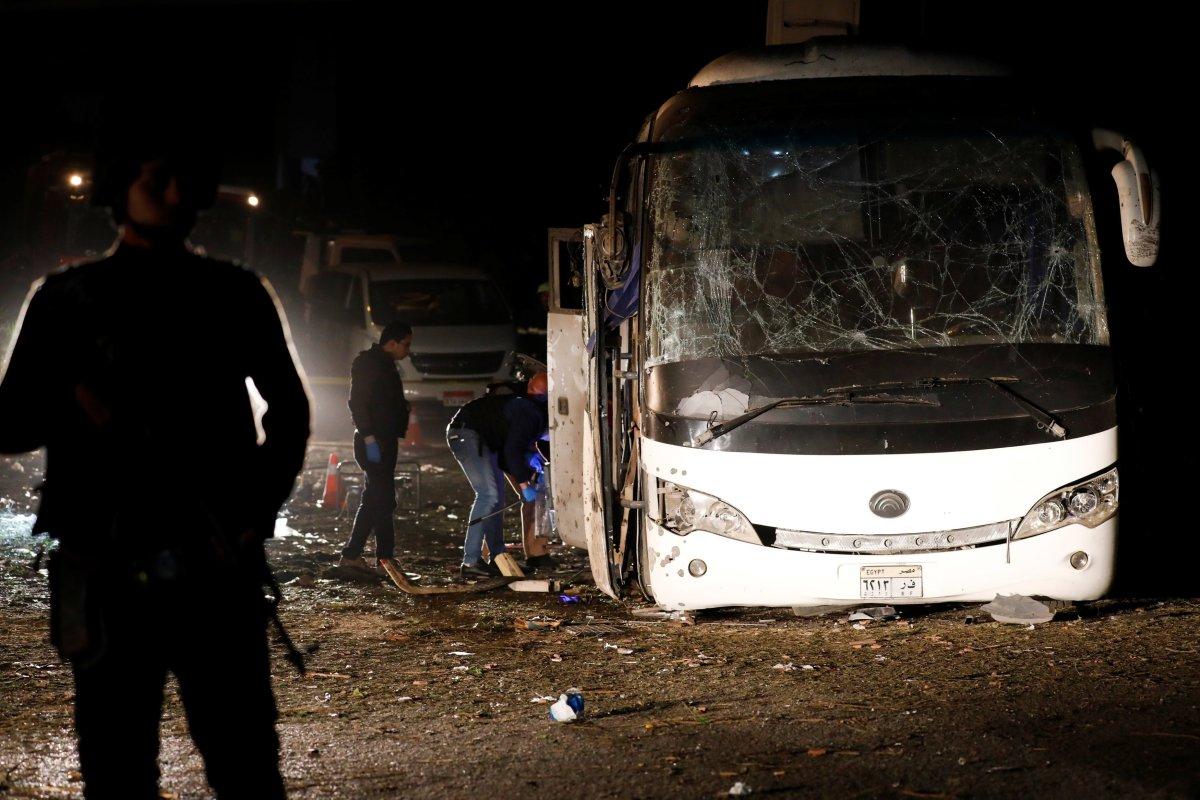 at least 2 dead in egypt tourist bus bombing fort smith fayetteville news 5newsonline kfsm 5news. Black Bedroom Furniture Sets. Home Design Ideas