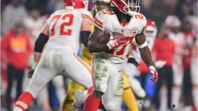 newest 4d247 18bda Kareem Hunt Admits To Lying To Chiefs About Hotel Assault ...