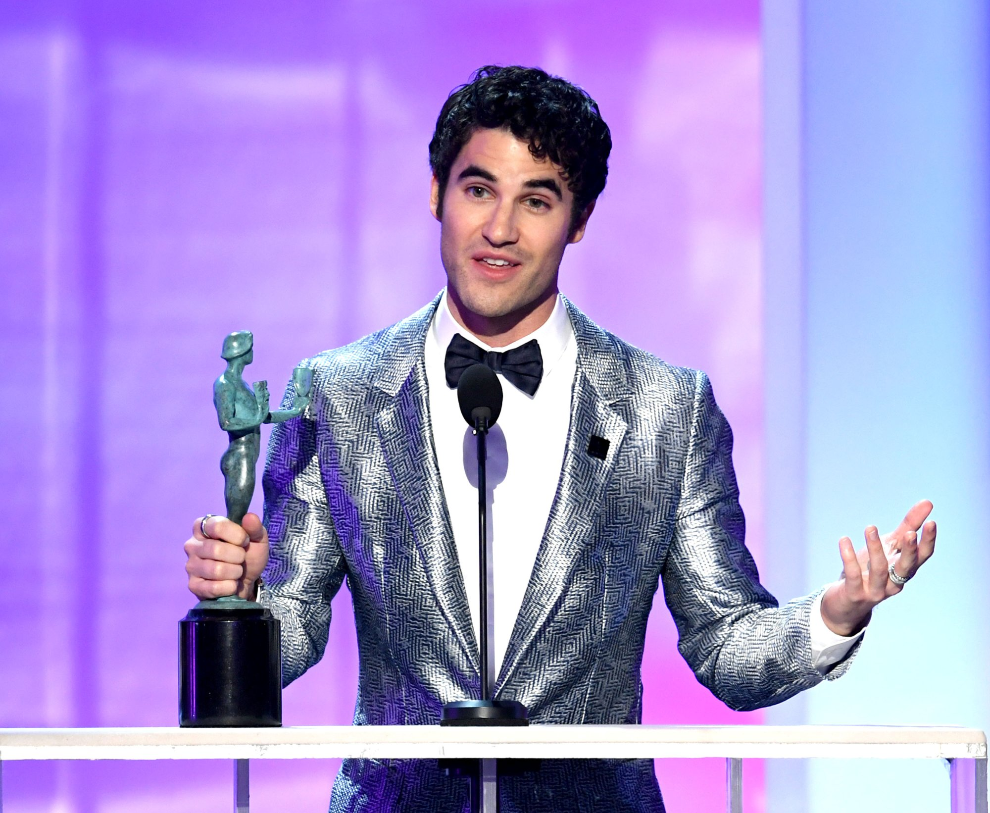 LOS ANGELES, CALIFORNIA - JANUARY 27: Darren Criss accepts Outstanding Performance by a Male Actor in a Television Movie or Miniseries onstage during the 25th Annual Screen Actors Guild Awards at The Shrine Auditorium on January 27, 2019 in Los Angeles, California. (Photo by Kevin Winter/Getty Images for Turner)