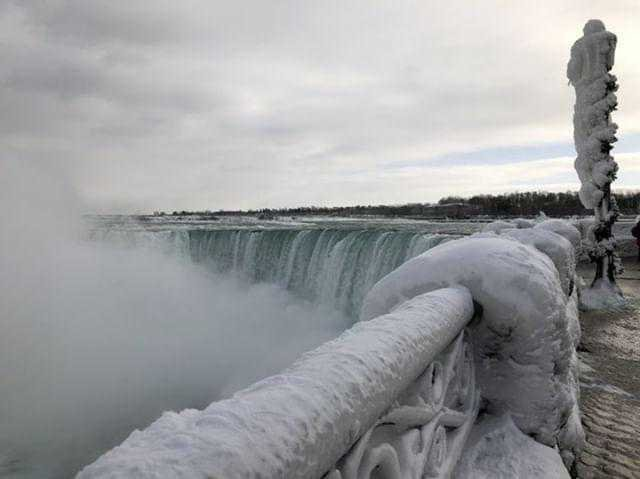 It's so cold, parts of Niagara Falls are frozen.The winter storm that has blanketed the Midwest in snow and turned the Northeast into a deep freezer has now brought the falls' rushing waters to a halt in places.