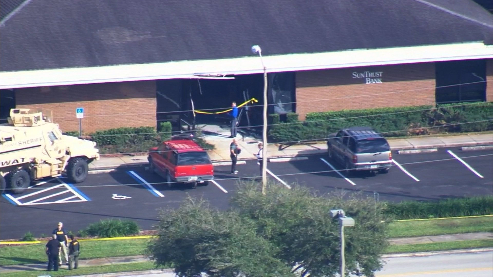 """**Embargo: Tampa, Fla.**  Highlands County Commissioner Don Elwell said that multiple people have been shot in a """"hostage situation"""" at a SunTrust Bank in Sebring, Florida."""