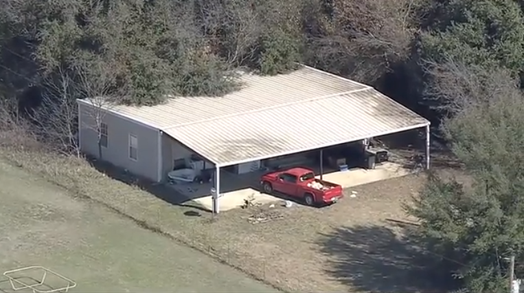 2 children found locked in dog kennel in north Texas, reports say