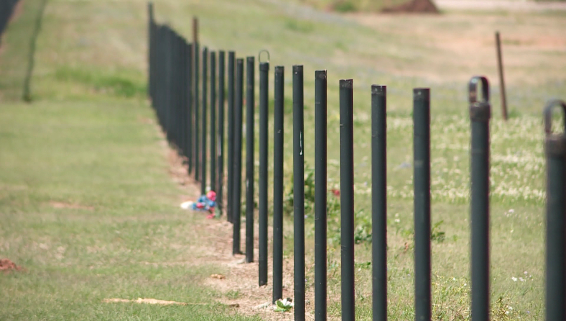 $15k Worth Of Fencing Stolen From Oklahoma Cemetery thumbnail