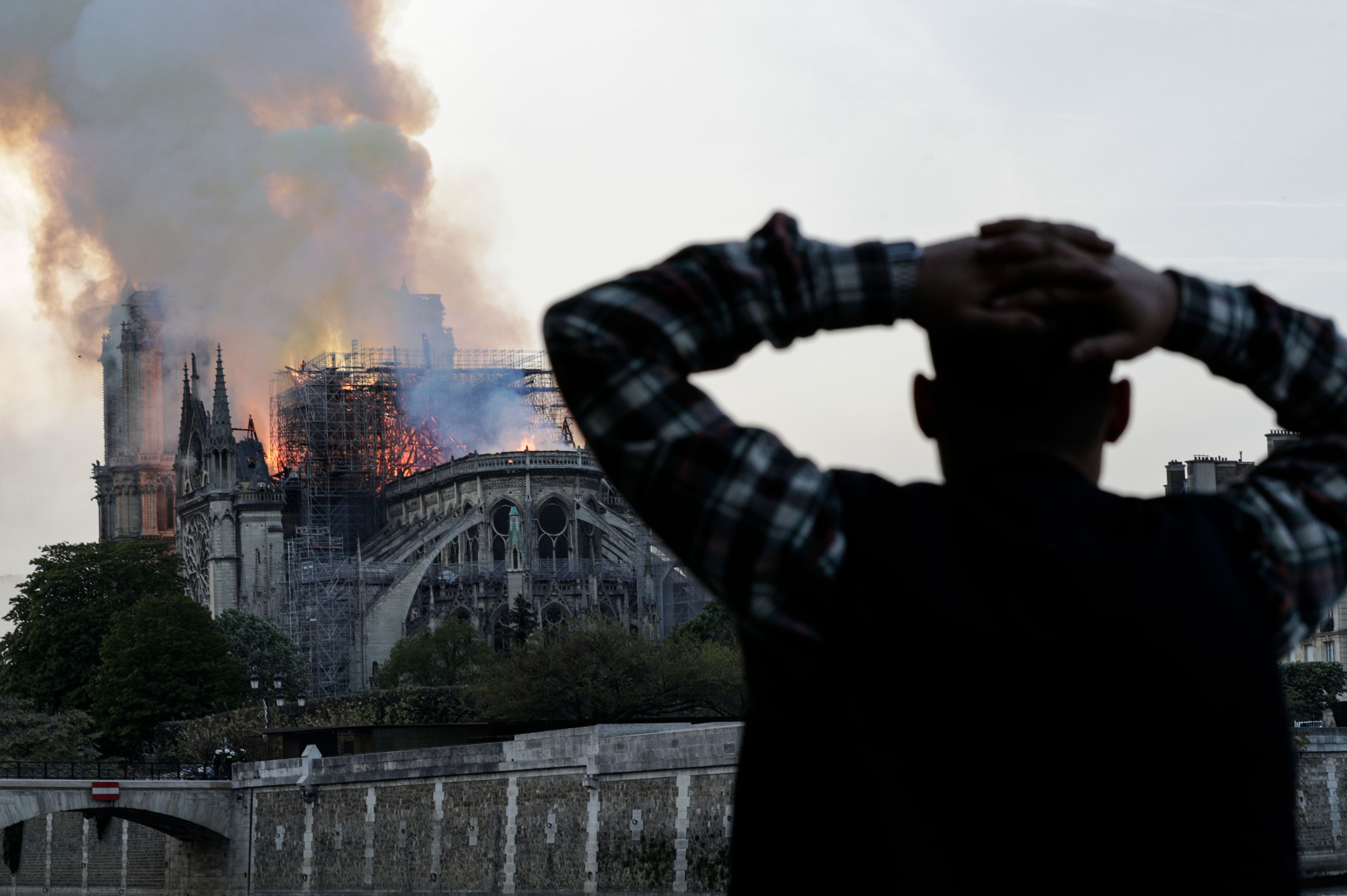 Tourists, Easter Worshipers Lament Closure Of Notre Dame thumbnail