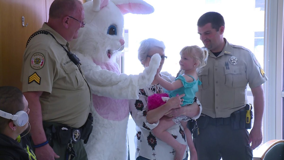Benton County Deputies Join The Easter Bunny In Third Annual 'Bunny Hop With A Cop'