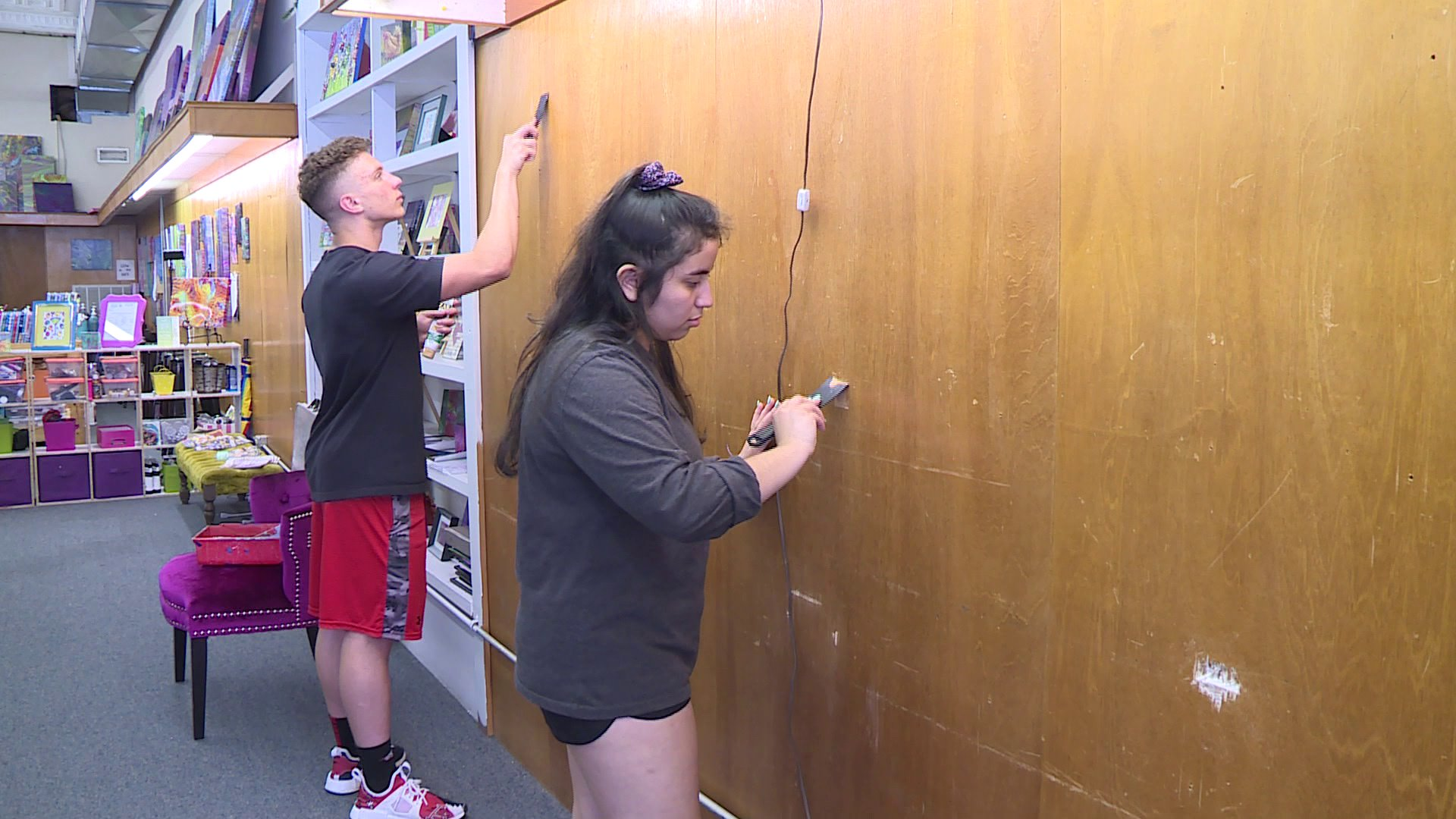 Rogers Students Partner With Chamber Of Commerce For Community Service Projects thumbnail