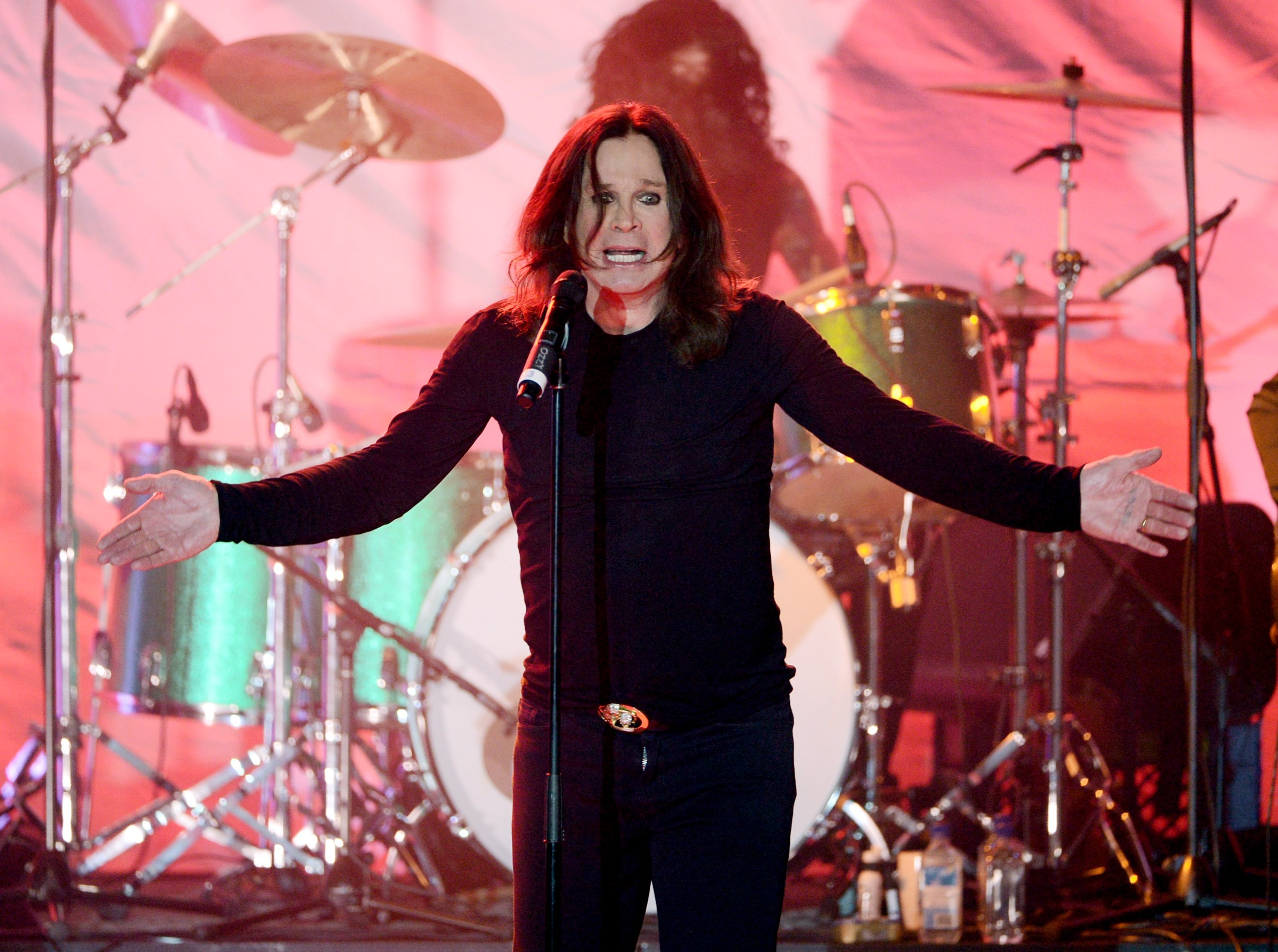 Ozzy Osbourne Is Postponing All His 2019 Concert Dates After An Illness And An Injury thumbnail