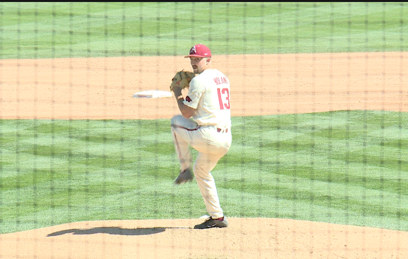 Offense Explodes, Noland Dazzles As Hogs Sweep No. 3 Mississippi State thumbnail