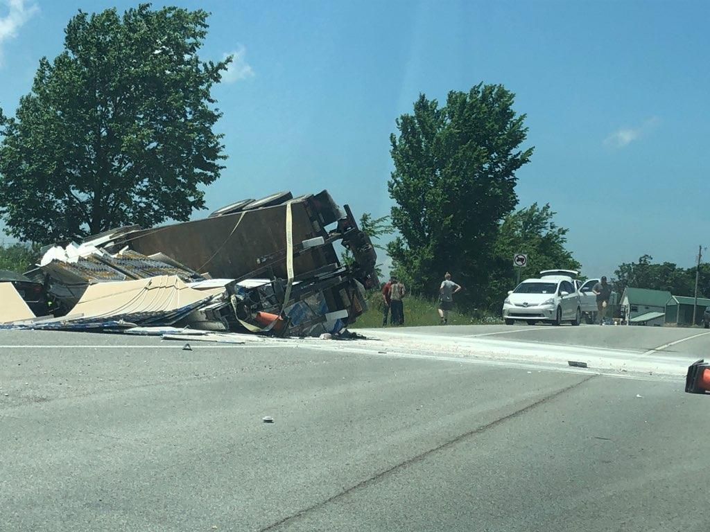 Three People Transported To The Hospital After Semi Wreck In Johnson thumbnail