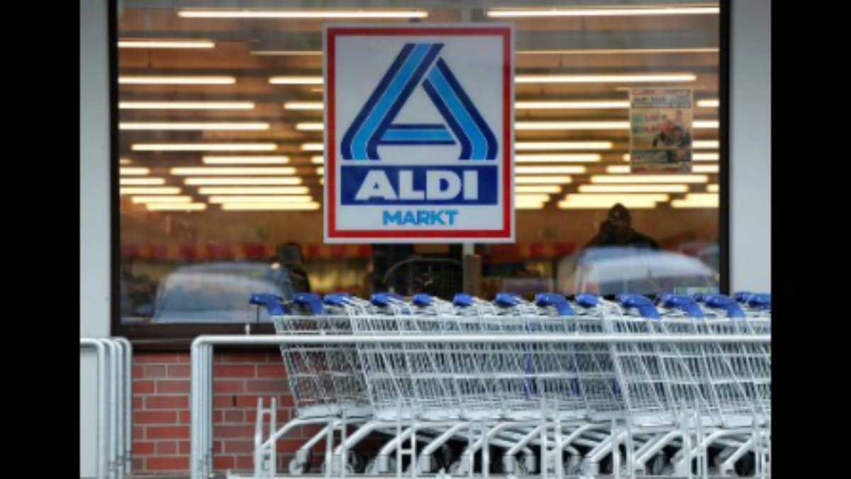 Flour Sold At Aldi Recalled After 17 People In 8 States ... Aldi Flour Recall