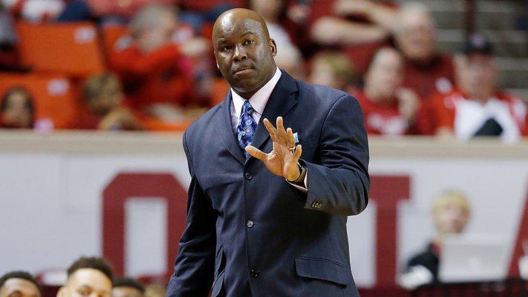 Arkansas Names Crutchfield Associate Head Coach For
