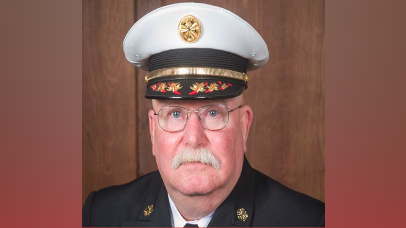 Fayetteville Fire Department Fire Chief Retiring In June After Holding Position For Nine Years thumbnail