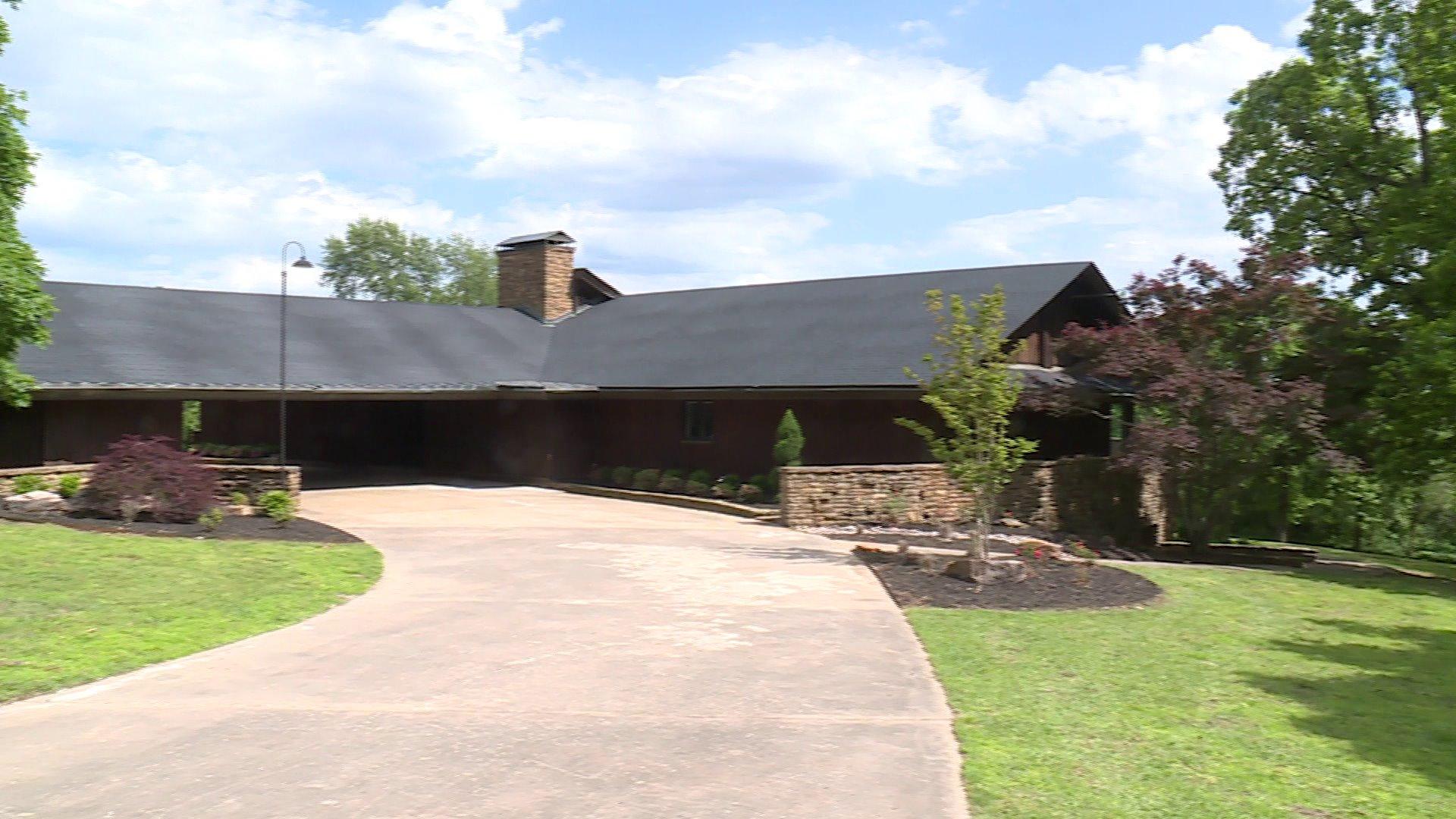 Duggars Renovate Million Dollar Home In Northwest Arkansas