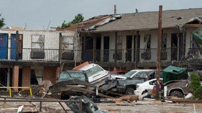 El Reno Oklahoma >> 2 Killed Dozens Injured After El Reno Tornado Officials