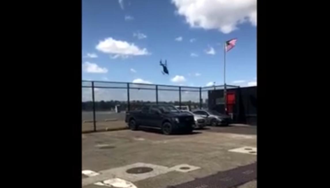 Pilot Survives Terrifying Helicopter Crash Into Hudson River thumbnail