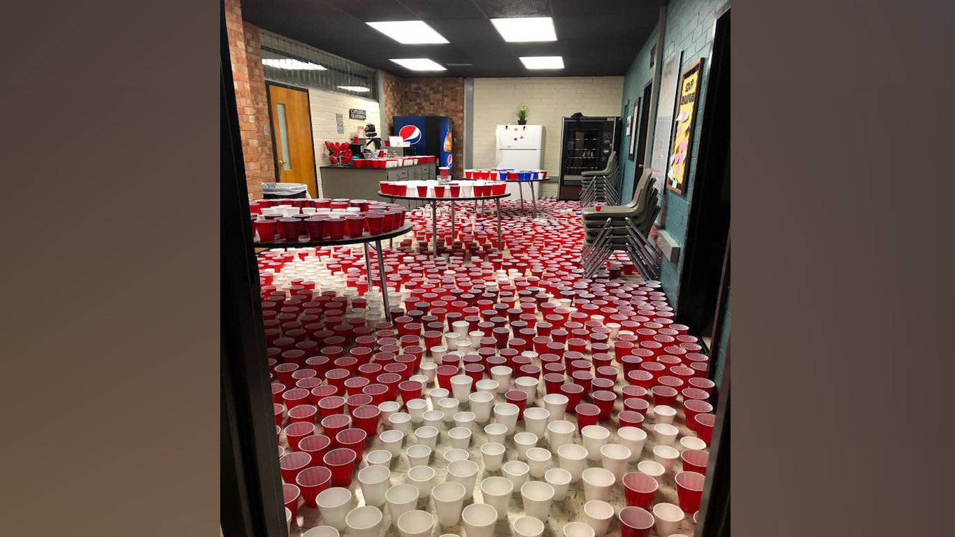 Seniors Prank Jasper Teachers With Over 1,000 Cups Of Water thumbnail