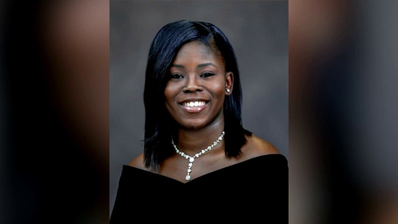Teen Mother Graduates High School With $1M In Scholarship Offers, Top Honors thumbnail