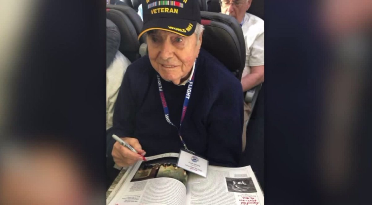 95-Year-Old WWII Vet Dies Returning From Honor Flight To