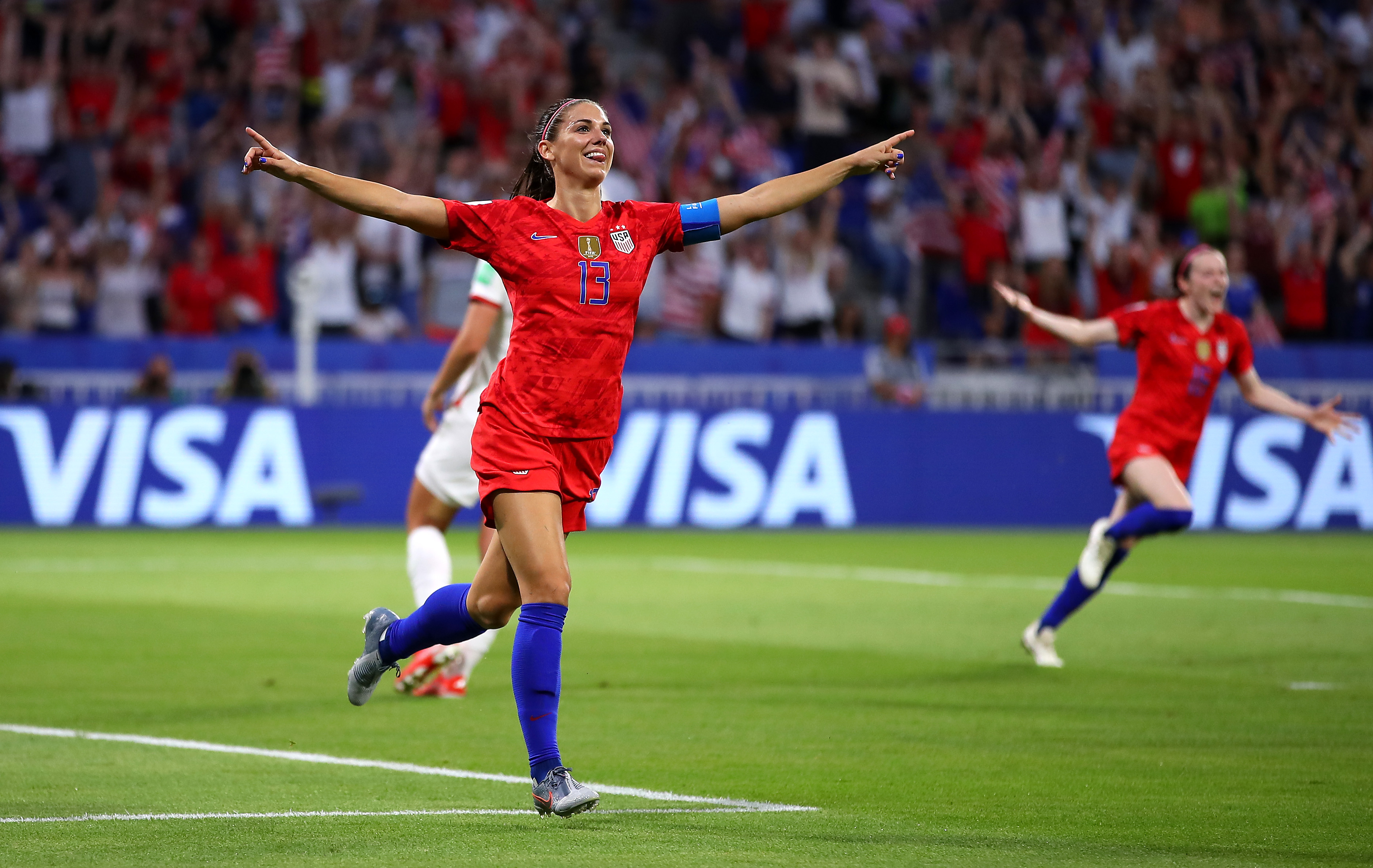 US Advances To Women's World Cup Final With Narrow Win Over England thumbnail