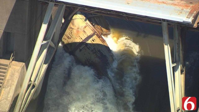 Last Of Two Runaway Barges Lifted From Oklahoma Lock And Dam
