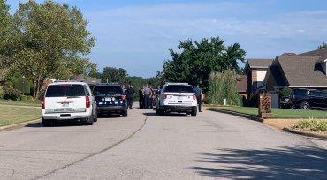 Police Nab Two In Drug Bust In Van Buren Walmart's Parking