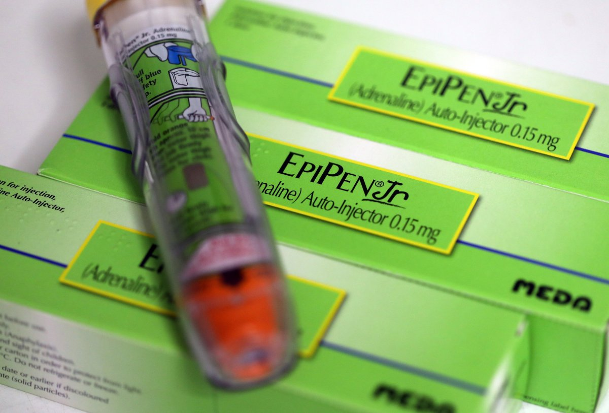 Illinois Becomes First Issue To Require Insurance Companies To Quilt EpiPen Injectors For Younger folks thumbnail