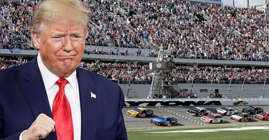 Trump takes limo on track at Daytona 500
